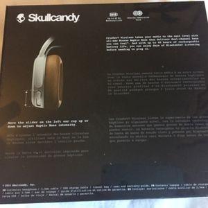 Skullcandy Crushers wireless headphones NWT